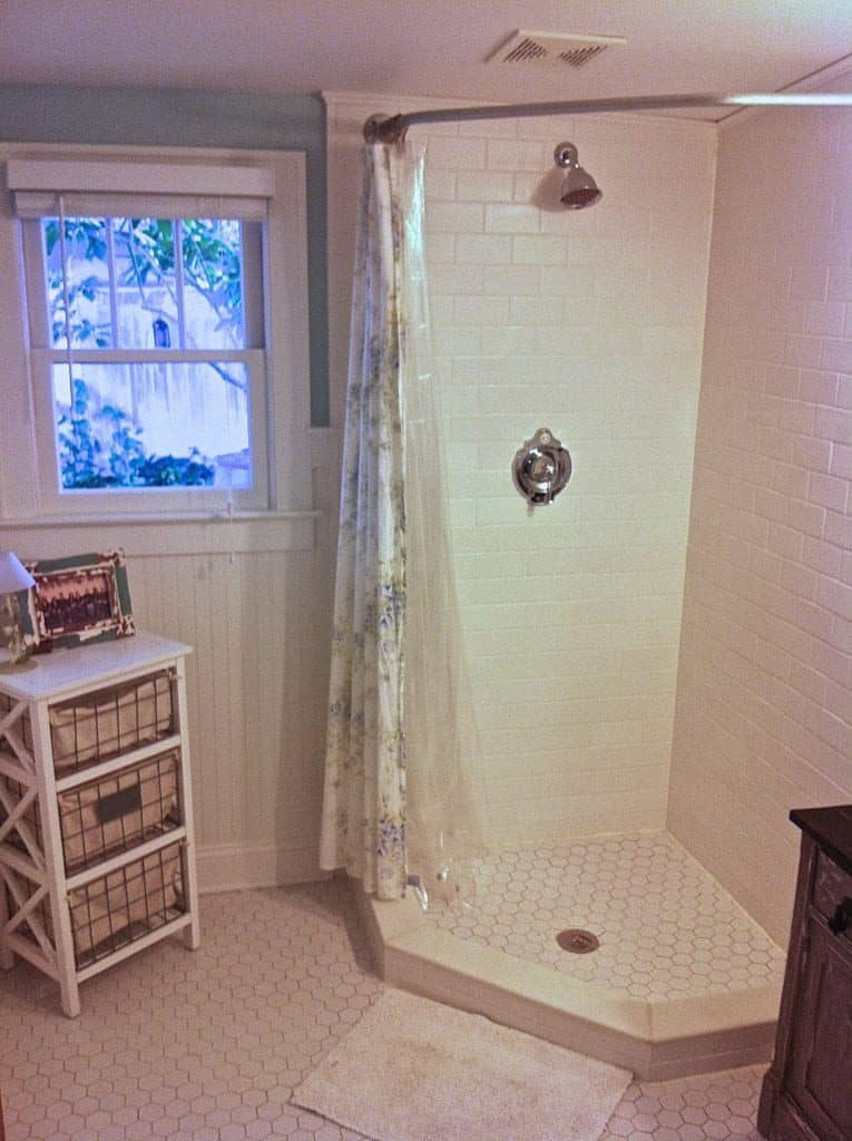 20-Curved-Shower-Curtain-Rod-765x1024