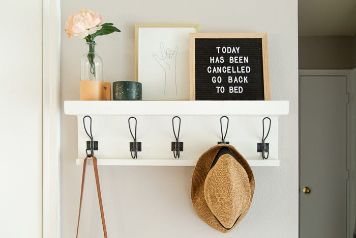 6-Entry-Shelf-and-Hooks