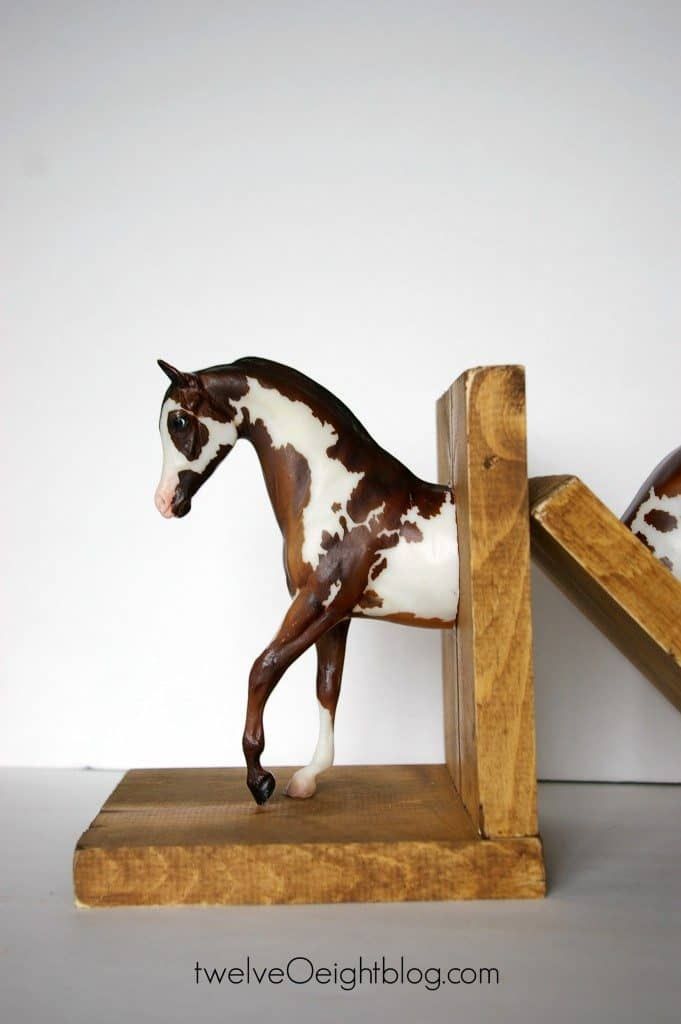 10-Spotted-Horse-Bookends-681x1024