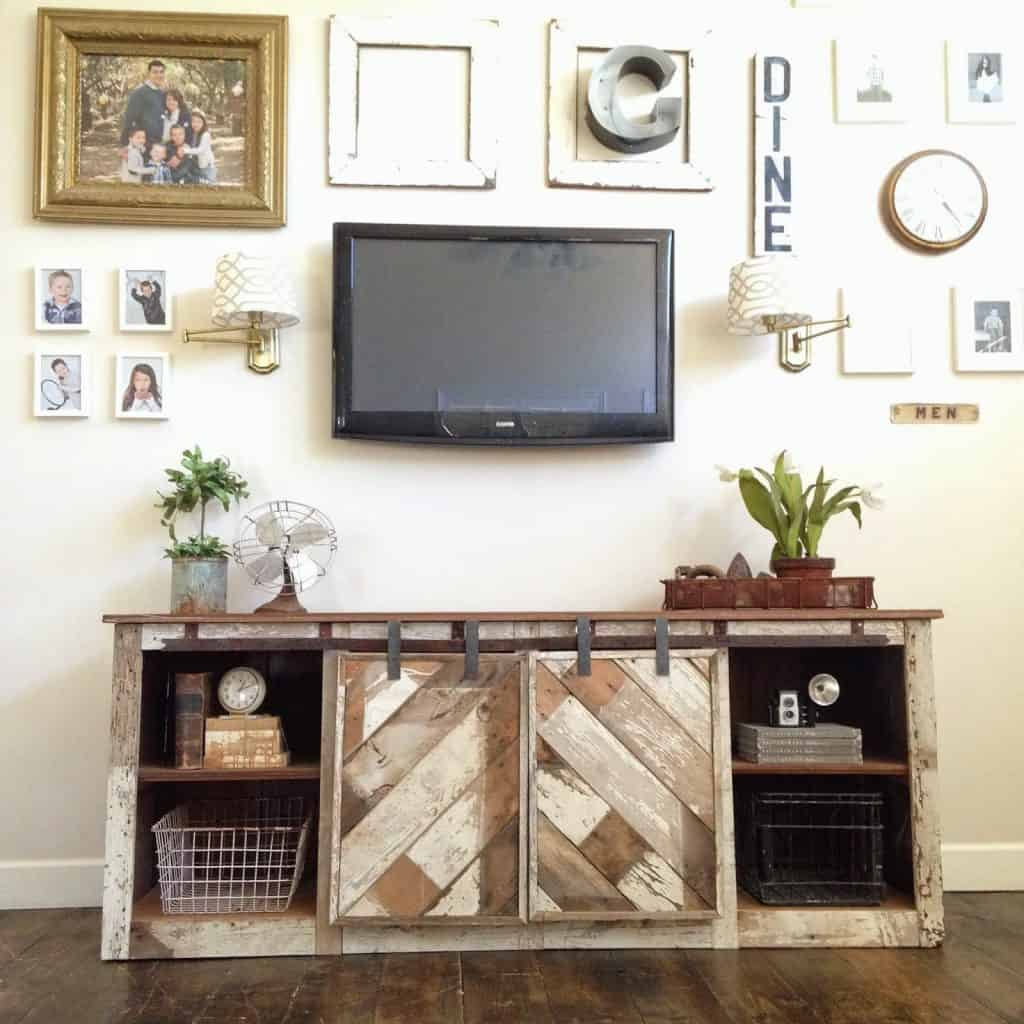 18-Reclaimed-Wood-Barn-Door-Console-1024x1024
