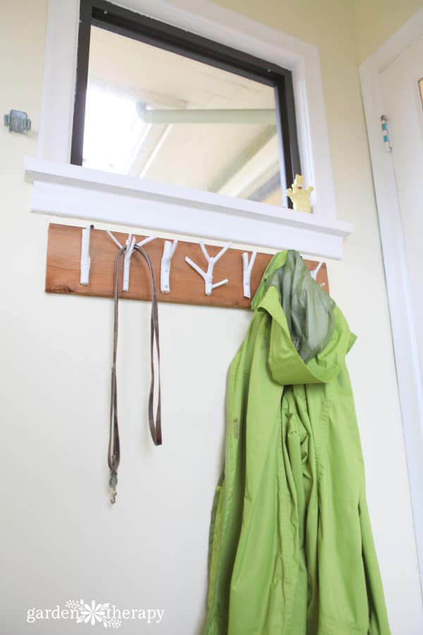 19-Natural-or-Painted-Branch-Hat-Rack