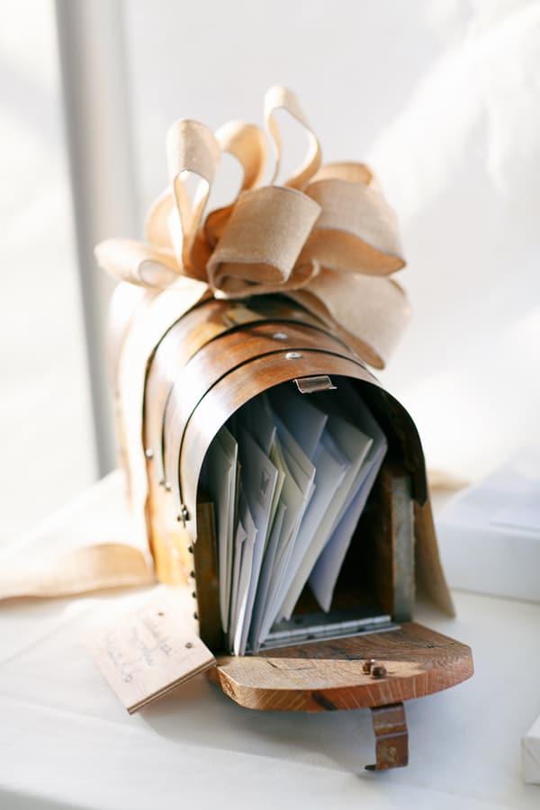 3-Ye-Olde-Mailbox