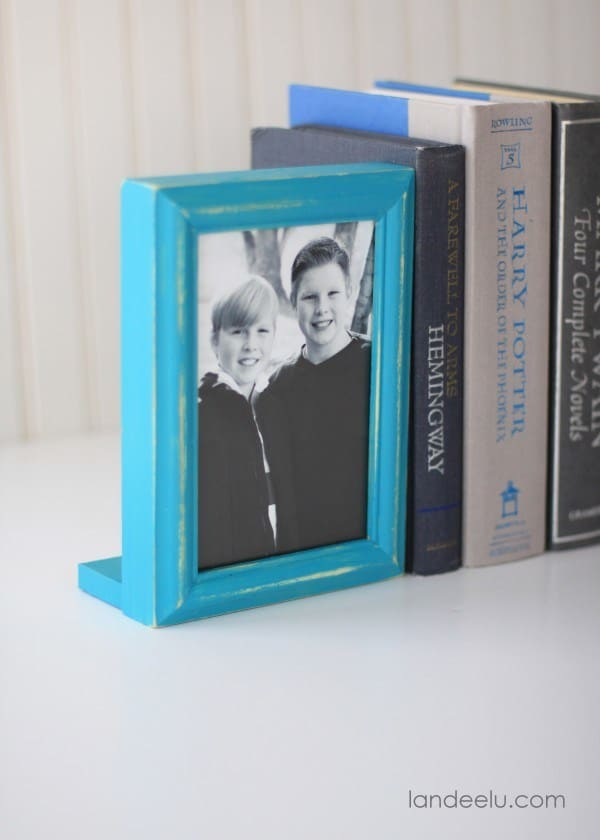 30-Picture-Frame-Bookends