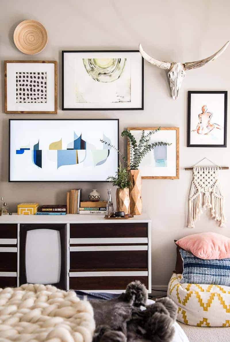 15 DIY TV Gallery Wall Inspirations & How-Tos