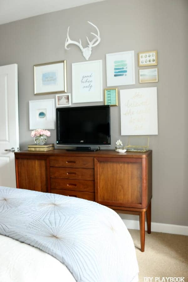 9-Small-TV-Made-Chic