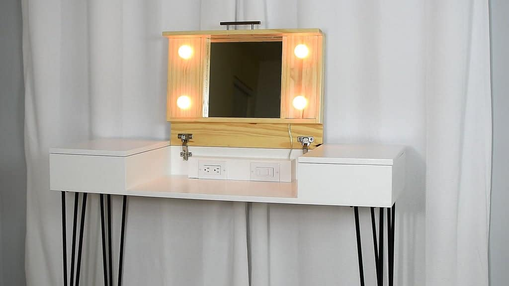 20 Diy Stylish Chic Makeup Vanities In 2021