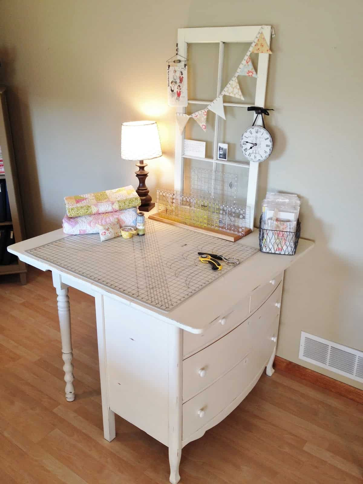 20 Inspiring DIY Sewing Table Ideas in 2021