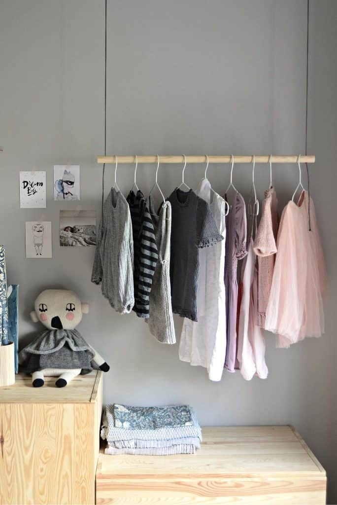 21-Hanging-Clothes-Rack-684x1024
