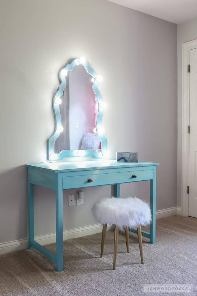 5-Fancy-Bulb-Mirror-683x1024
