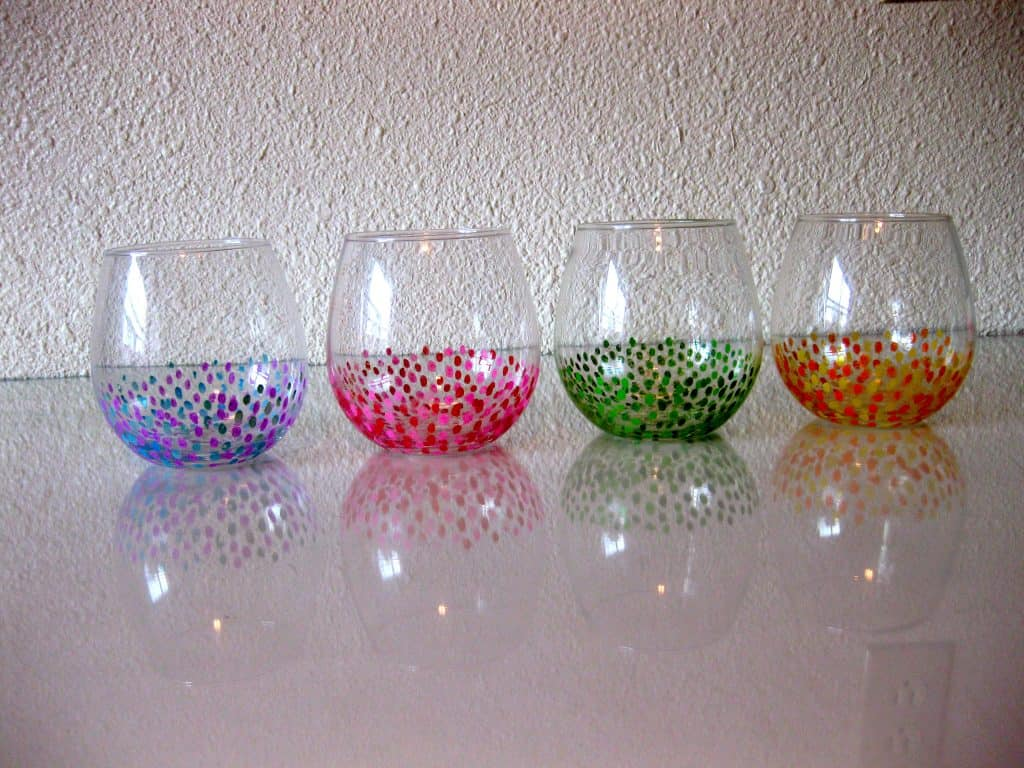 1-DIY-Anthropologie-Confetti-Wine-Glasses-1024x768