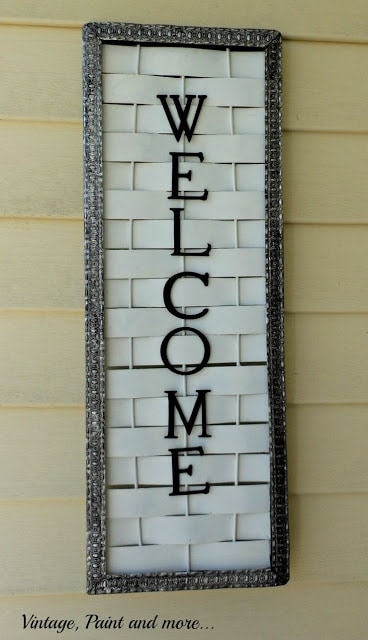 11-Wood-Lattice-Upcycle-Welcome-Sign