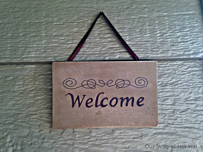 20-Super-Easy-Inexpensive-Welcome-Sign