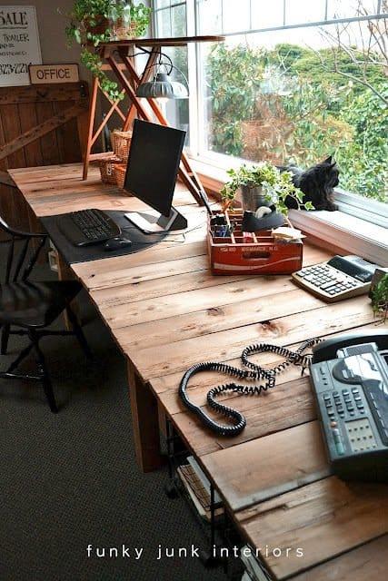 Pallet Farm-Style Desk