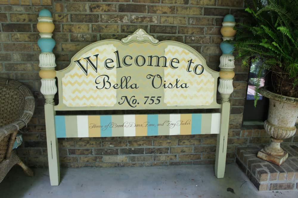 24-Repurposed-Vintage-Headboard-Welcome-Sign