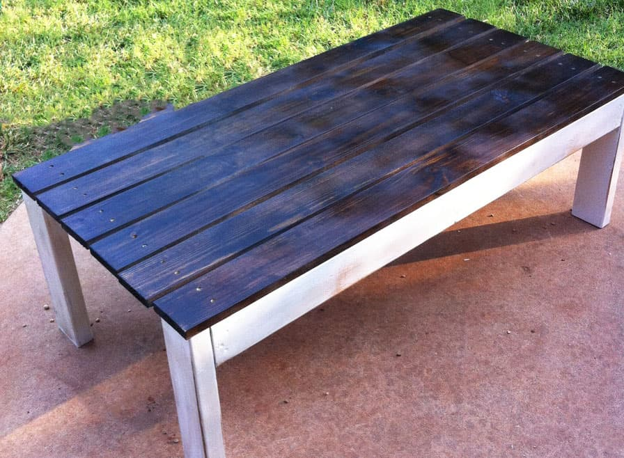 25-Outdoor-Coffee-Table