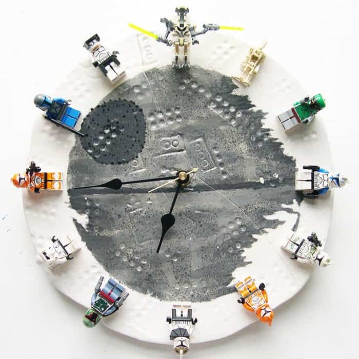 28-Star-Wars-Lego-Clock