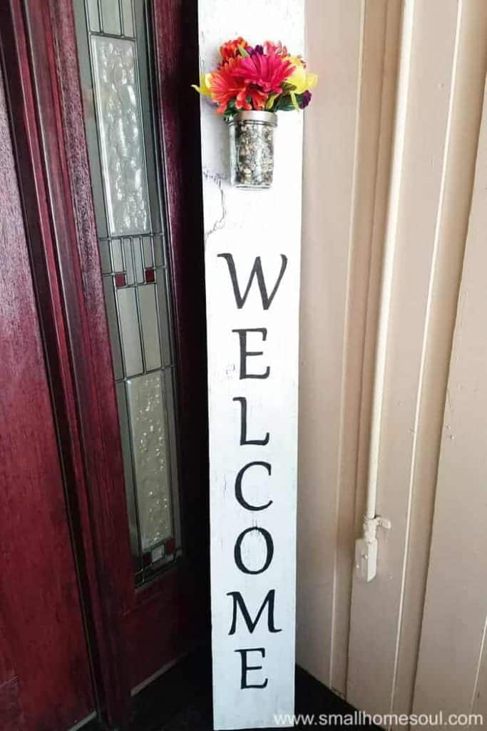 3-Super-Easy-Welcome-Sign-with-Flowerpot-683x1024