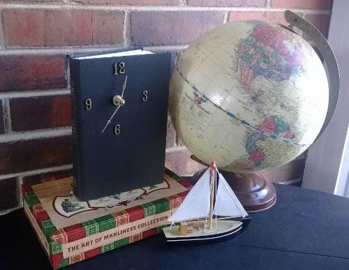 35-Book-Clock