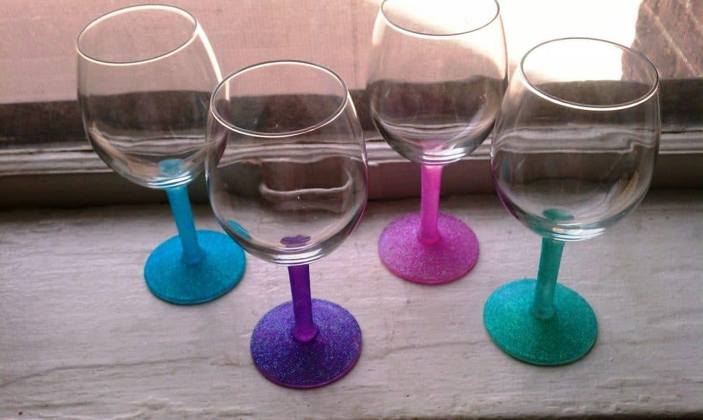5-Super-Easy-Glitter-Stem-Glasses-1024x612