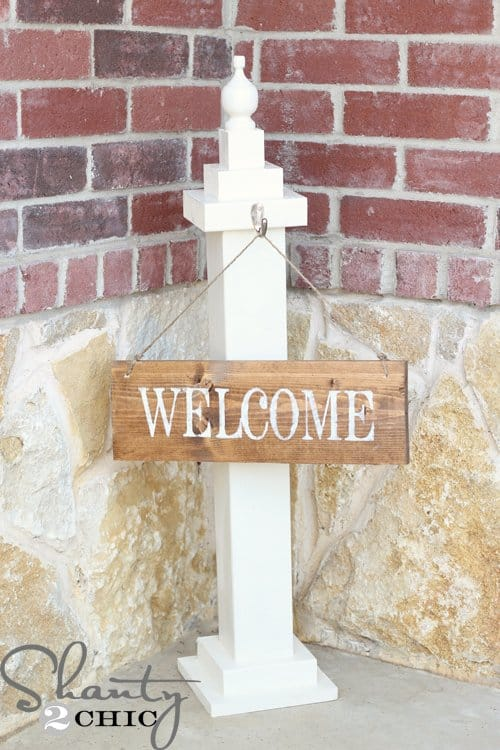 6-Quick-and-Easy-Post-With-Hanging-Welcome-Sign