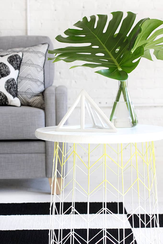 Easy Wire Basket Side Table