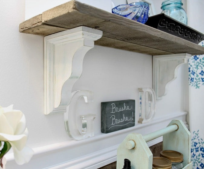 Easy and Chic Shelf