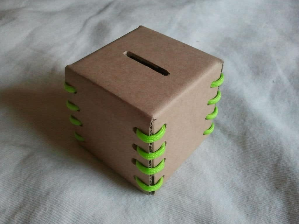 Simple Cardboard Coin Box