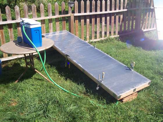 <strong>Super Simple Budget-Friendly Solar Heater</strong>