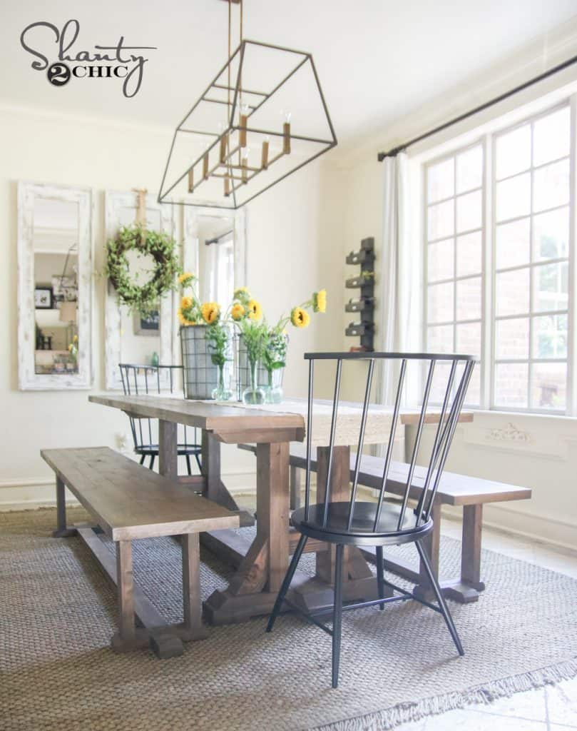 <strong>Pottery Barn Inspired $100 Farmhouse Table</strong>