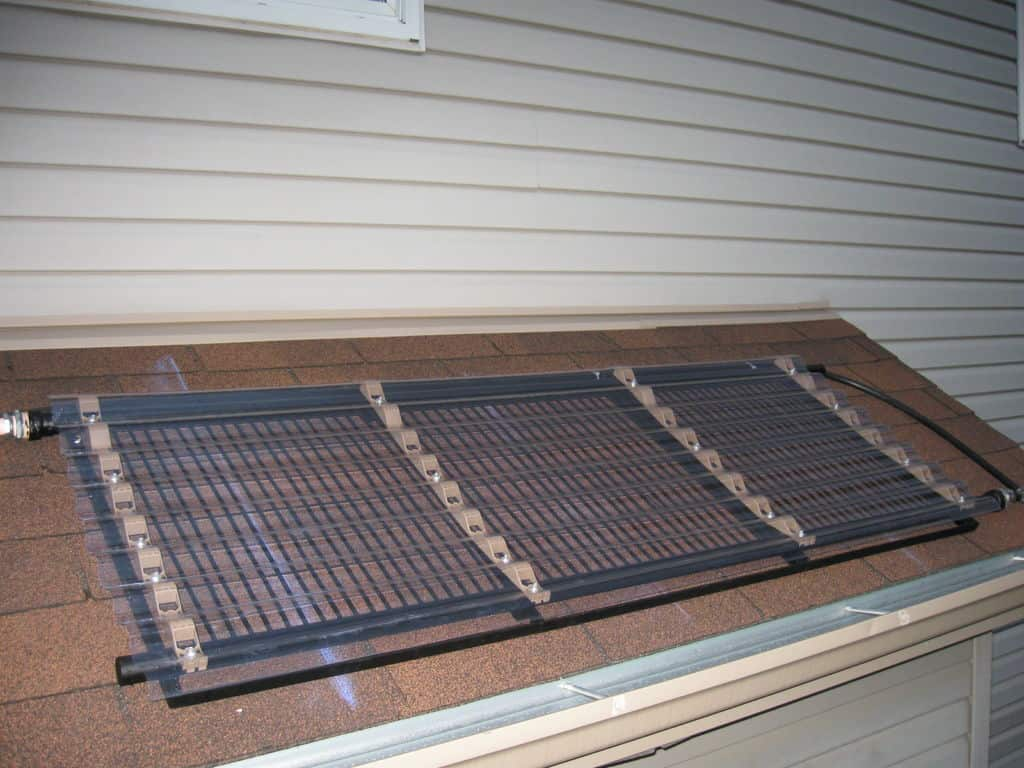 <strong>Copper and Plexiglass Solar Pool Heater</strong>