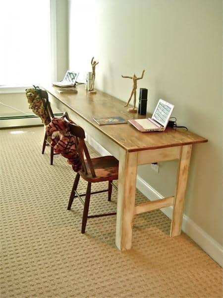 <strong>Narrow Farmhouse Table</strong>