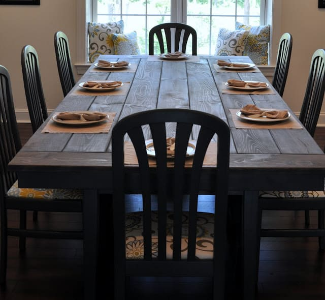 <strong>Ikea Upcycle Farmhouse Table</strong>