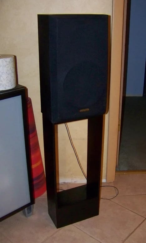 One-Hour Speaker Stands