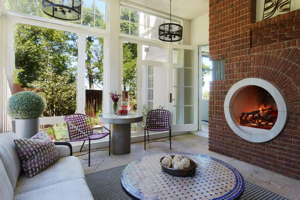 Be Unique By Getting a Round Fireplace