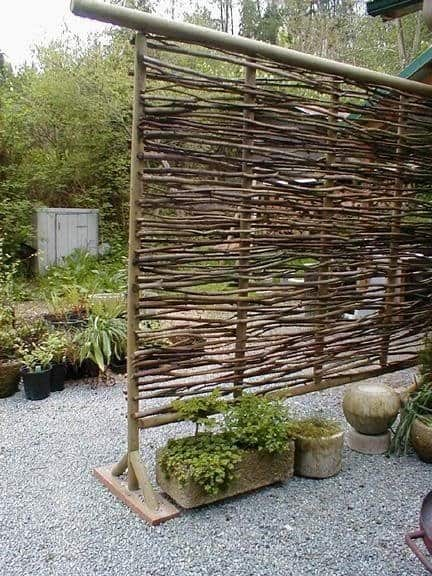 Craft a Portable Wattle Privacy Screen