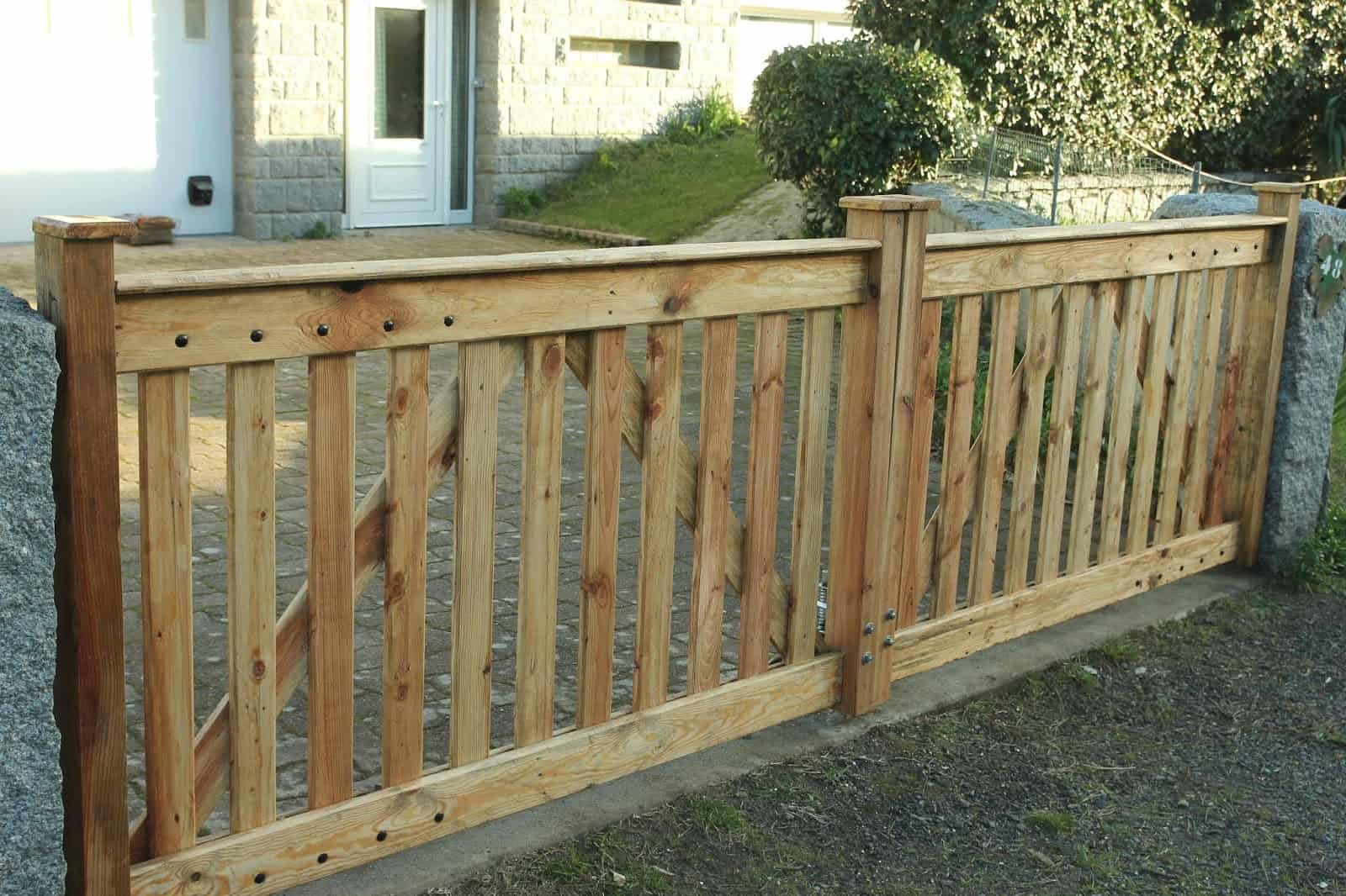 Recycle Pallet Wood Gate