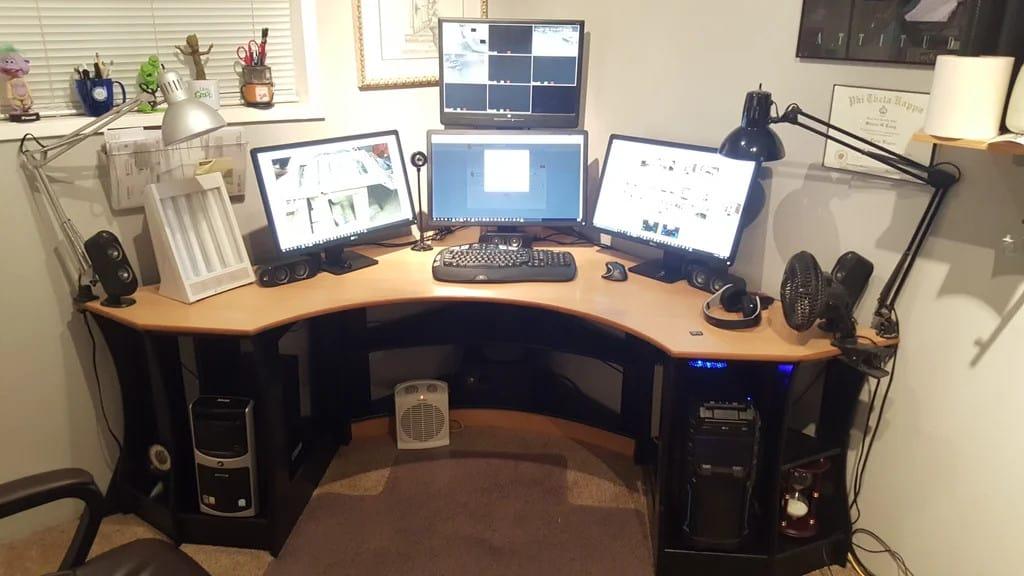 Rounded Corner Desk