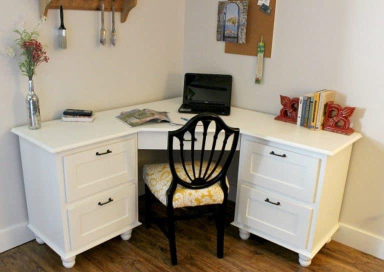 Corner Desk with Moulding
